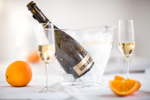 burnarj-wino-musujace-z-pomaranczy
