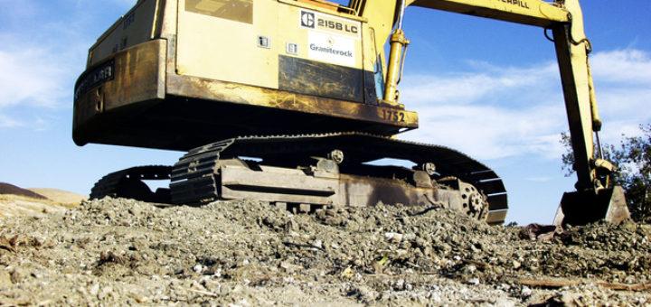 Transport maszyn budowlanych gąsienicowych