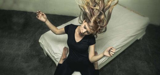Czesanie włosów przedłużanych