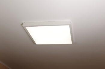 Montaż natynkowy Panelu LED